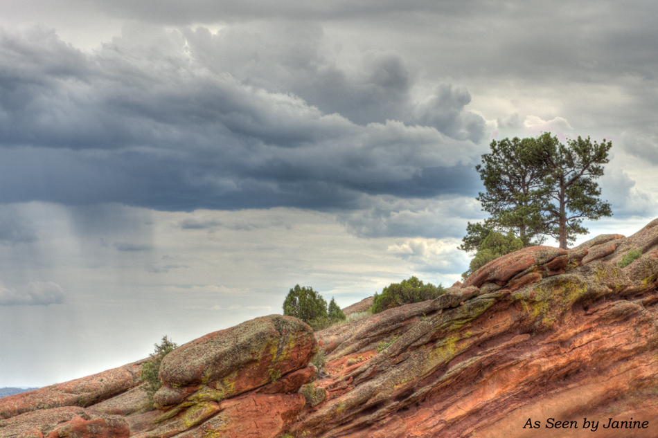 One Tree Hill at Red Rocks (HDR Three Exposures -2EV, 0, +2EV)